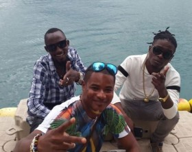 Radio and Weasel arrive in Seychelles Island