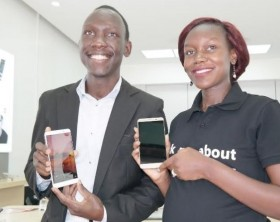 L-R: Sam Cris Ayo, Device Services Manager Huawei Uganda and Jean Baguma, Marketing Manager Huawei Uganda unveil the latest flagship Huawei Mate 9 at Kinetic Shop.