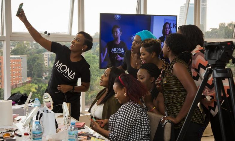 Mona Faces Makeup masterclass class