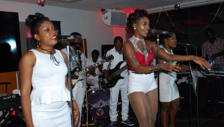 Cindy Sanyu  Unplugged at Liquid Silk