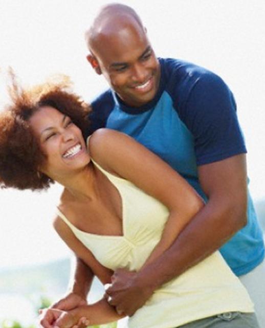 4 raisons pour lesquelles les femmes aiment les hommes avec un paquet de six   – abdomino