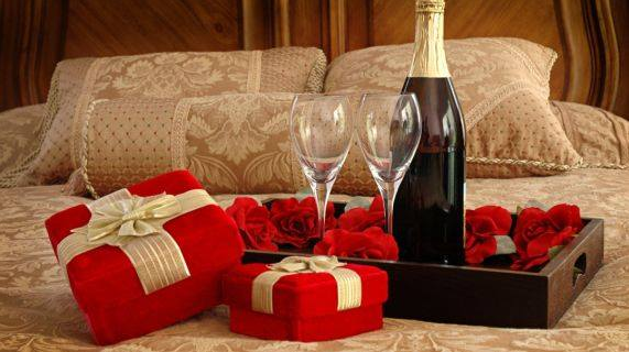 9 Valentine S Day Gifts For The Girl You Just Started Dating