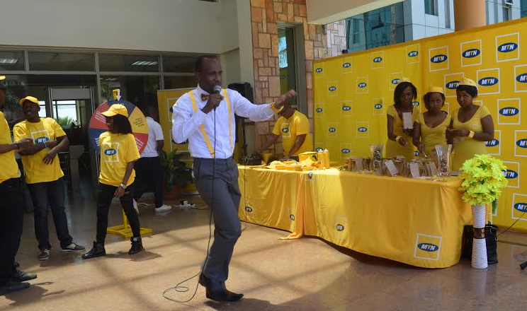 Bandoman entertaining customers during his unveiling at MTN Nyonyi gardens.