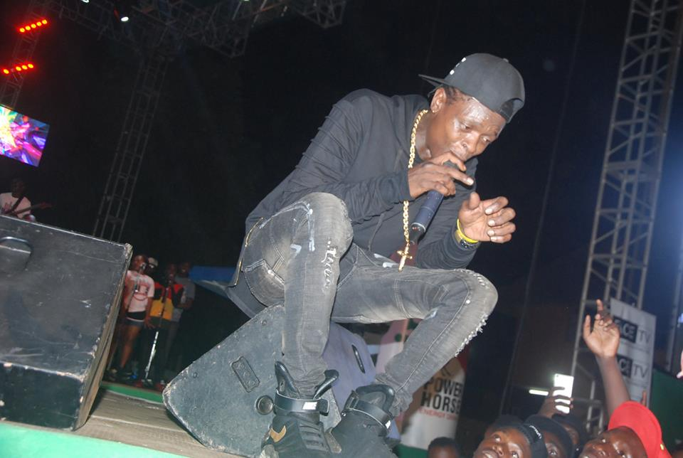 Chameleone performs at Radio and Weasel's Omwaana wa Bandi concert