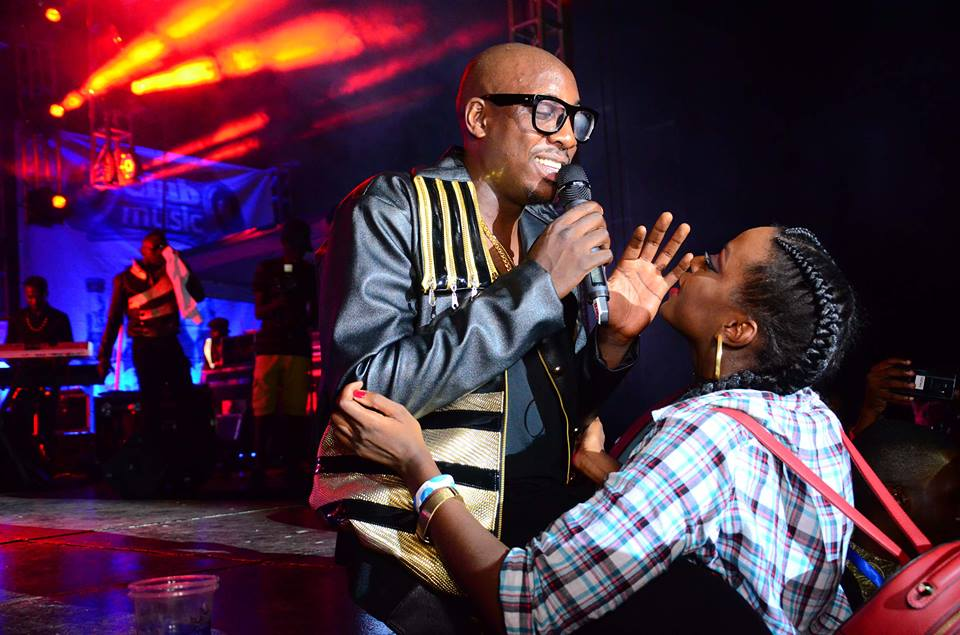 Ellah joins Sauti Sol on stage