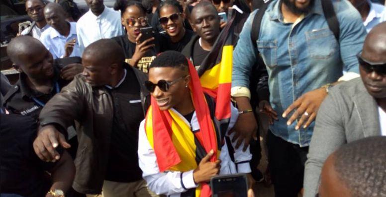 Wizkid arrives in Kampala