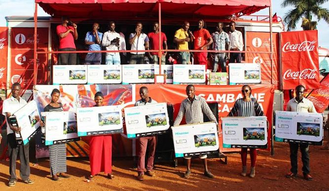 The excitement was palpable in Mukono and Jinja towns when beverage giant Coca-Cola handed over 30 prizes to lucky consumers as part of the ongoing Samba Ne Coca-Cola promotion.